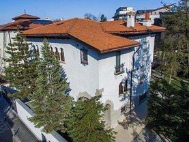 Casa de vânzare 10 camere, în Bucureşti, zona Primăverii
