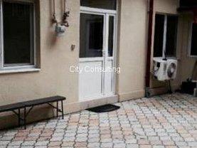 Casa de închiriat 3 camere, în Bucureşti, zona Cişmigiu