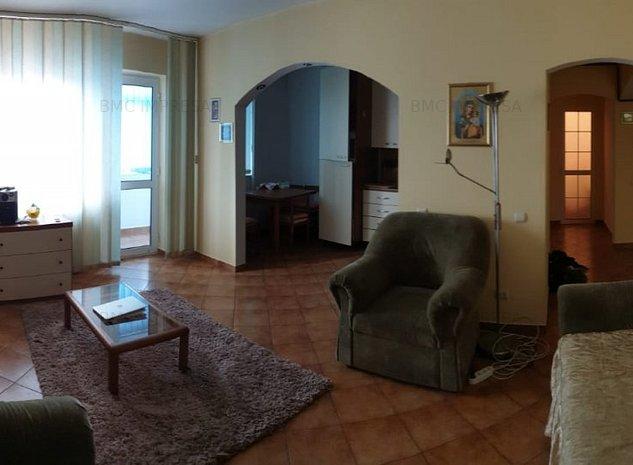Apartament 3 camere Centru - imaginea 1