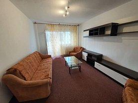 Apartament de închiriat 3 camere, în Ploieşti, zona Paltiniş