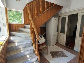 Casa de închiriat 6 camere, în Ploieşti, zona Democraţiei