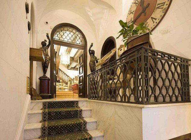 Vanzare hotel-zona Universitate-Batistei-Rosetti - imaginea 1