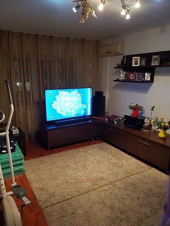 Vanzare Apartament 3 camere Giurgiului-Gradistea - imaginea 1