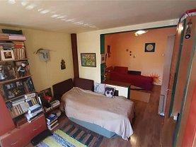 Apartament de vânzare 4 camere, în Târgu Mureş, zona Central
