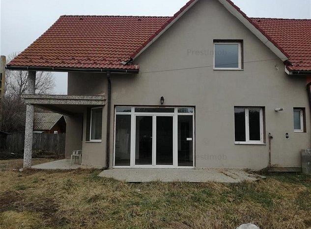 Vand casa in Nazna in cadrul unui duplex - imaginea 1