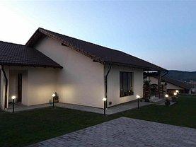 Casa de vânzare 4 camere, în Corunca, zona Central