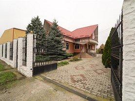 Casa de vânzare 8 camere, în Cristesti, zona Central