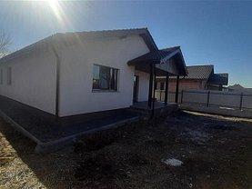 Casa de vânzare 4 camere, în Nazna, zona Central