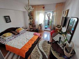 Apartament de vânzare 3 camere, în Iaşi, zona Oancea