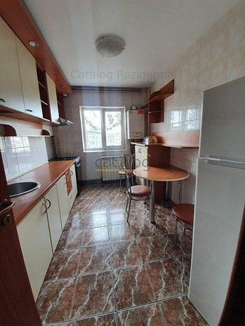 Apartament cu 3 camere in zona Aparatorii Patriei - metrou - imaginea 1