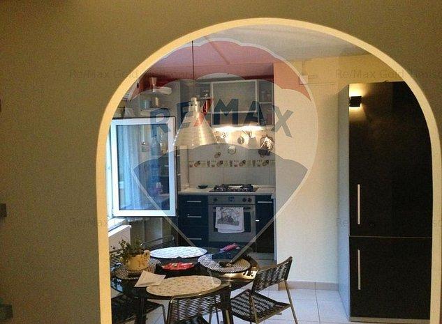 Apartament cu 3 camere de inchiriat - imaginea 1
