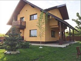 Casa de vânzare 4 camere, în Valea Ursului, zona Central