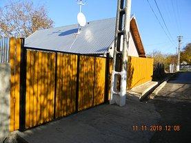 Casa de vânzare 3 camere, în Calugareni