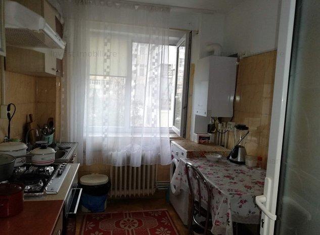 Podu Ros -apartament 2 cam ,model mare cu 2 balcoane , etajul 2 - imaginea 1