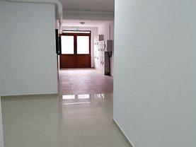 Apartament de vânzare 5 camere, în Bucureşti, zona Dristor