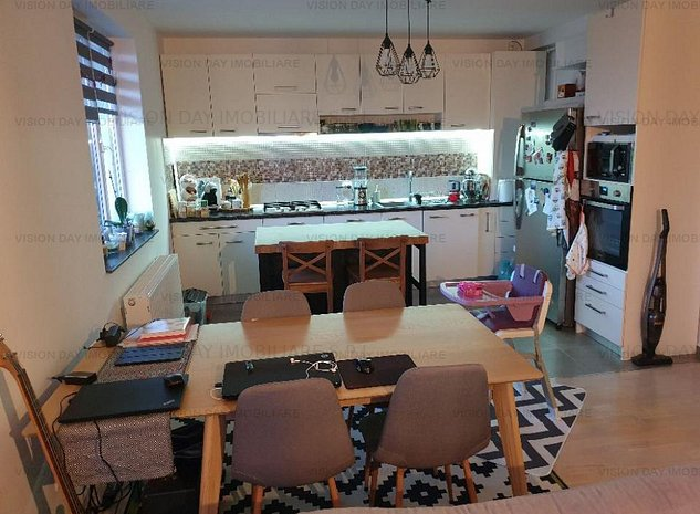 Apartament 3 camere, decomandat (zona Europa) - imaginea 1