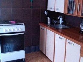 Casa de vânzare 7 camere, în Campulung-Muscel, zona Nord
