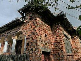 Casa de vânzare 5 camere, în Poiana Sibiului