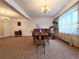 Casa de închiriat 5 camere, în Sibiu, zona Ştrand