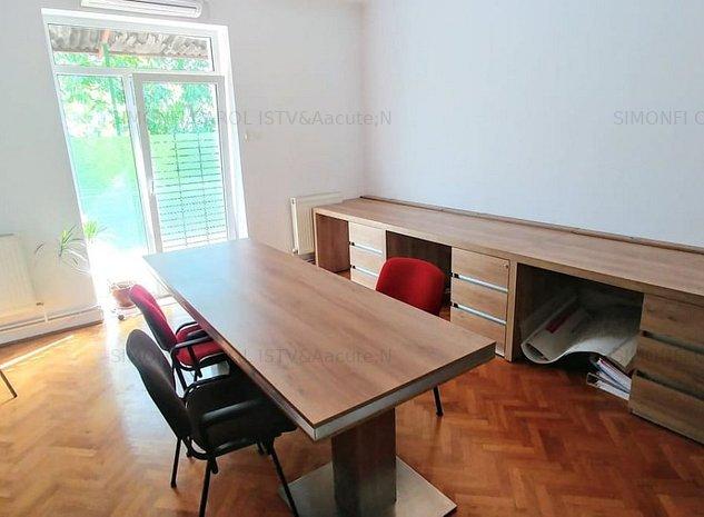 Apartament cu 3 camere la casa cu potential de investitie in zona Semicentrala - imaginea 1