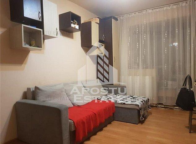 Apartament 3 camere, zona Șagului - imaginea 1