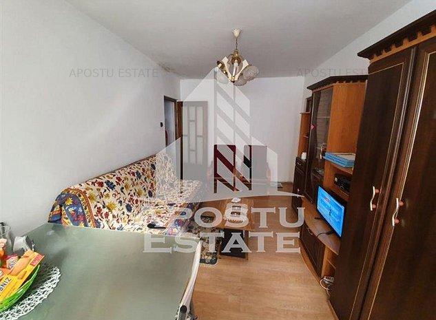 Apartament cu 3 camere, zona Sagului - imaginea 1