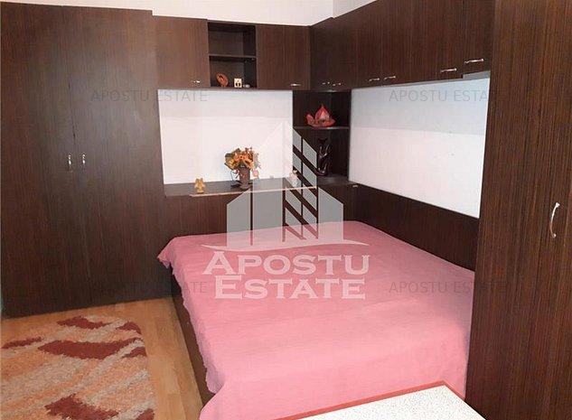 Apartament cu 2 camere, la etajul intai, Girocului - imaginea 1