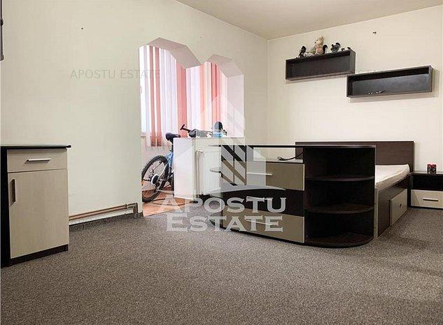 Apartament cu 2 camere, decomandat, 55 mp utili, in apropiere de Shopping City - imaginea 1