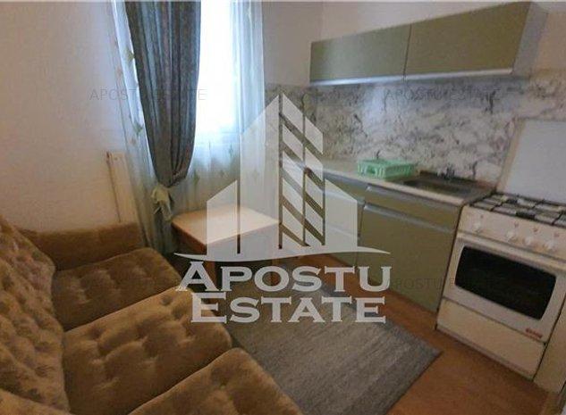 Apartament 1 camera la Vila, centrala proprie, Lipovei - imaginea 1