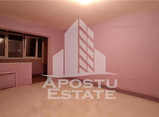 Apartament cu 3 camere - Lipovei - imaginea 1