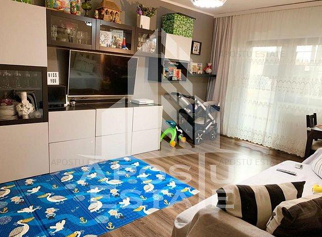 Apartament cu 2 camere, decomandat la etaj intermediar - imaginea 1
