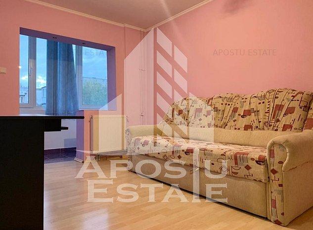 Apartament decomandat cu 3 camere de in zona Sagului. - imaginea 1