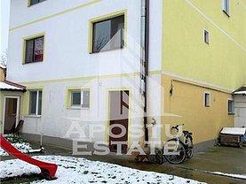 Casa de vânzare 14 camere, în Timişoara, zona Lipovei