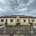Casa de vânzare 3 camere, în Moşniţa Nouă, zona Central