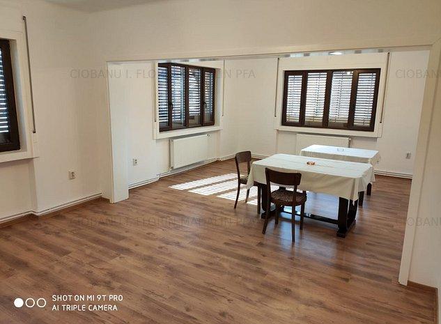 Casa renovata, pozitie excelenta, 2 garaje, 2 centrale, supraveghere-video - imaginea 1