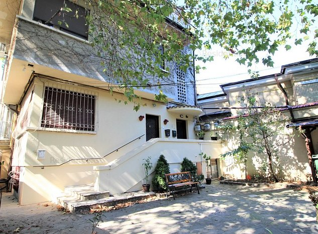 3 camere 120 mp garaj curte Gradina Icoa: .