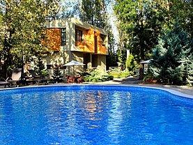 Casa de vânzare 12 camere, în Neptun