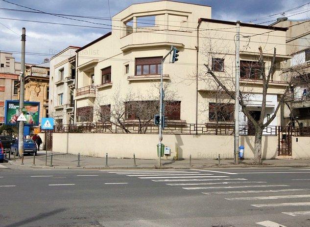 Vila lux Bulevardul Dacia strada Polona : .