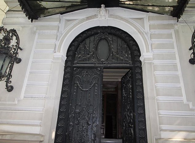 Vila stil francez zona Piata Romana: .