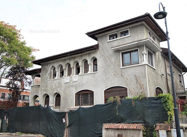 Vila TVR 600 mp utili garaj curte arhite: .