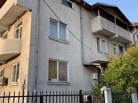 Casa de vânzare sau de închiriat 14 camere, în Bucureşti, zona Aviaţiei