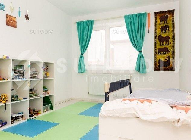 Casa de vanzare cu 4 camere, in Zona Iris - imaginea 1