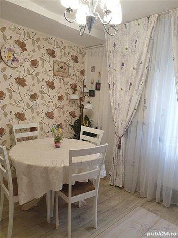 Apartament 2 camere Soarelui etaj 2 350 euro - imaginea 1