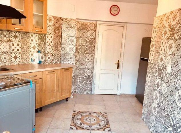 Apartament decomandat de 3 camere la Piata Victoriei - imaginea 1