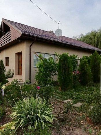 Casa Renovata cu 4 camere + teren 4000mp, Jud. Teleorman la 70km de Bucuresti - imaginea 1