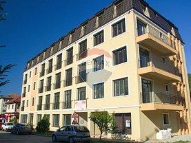Apartament de vânzare 3 camere, în Nehoiu, zona Central