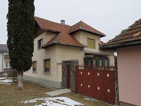 Casa de vânzare 6 camere, în Predeluţ