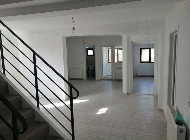 Duplex cu 5 camere in zona Damaroaia - Robanesti - imaginea 1