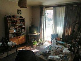 Apartament de vânzare 3 camere, în Bucureşti, zona Vatra Luminoasă