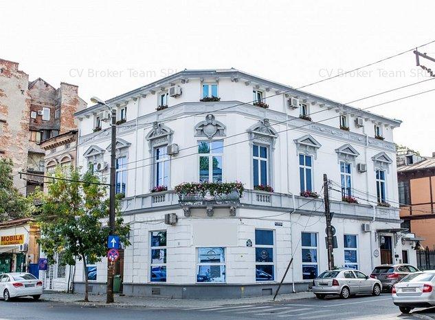 Hotel 4 Stele De Vanzare - imaginea 1